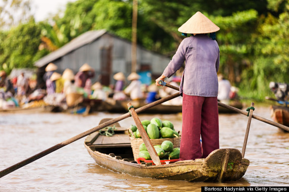 Besides, sometimes you really have to trade security for experience. Where in Europe can you shop while on a boat? Nowhere, that's what. Or at least nowhere as fun as in Vietnam!